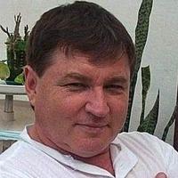 Илья Устинов